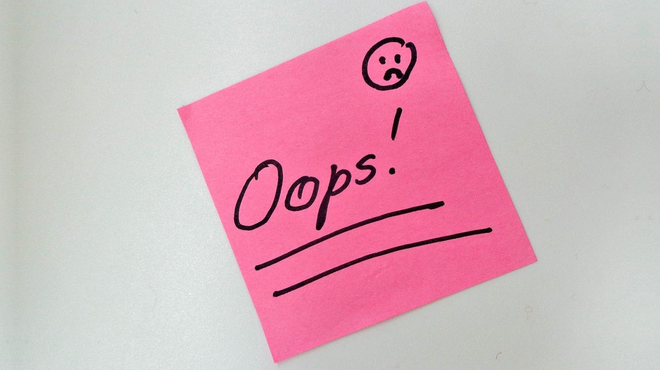 Post-it with 'oops' on it