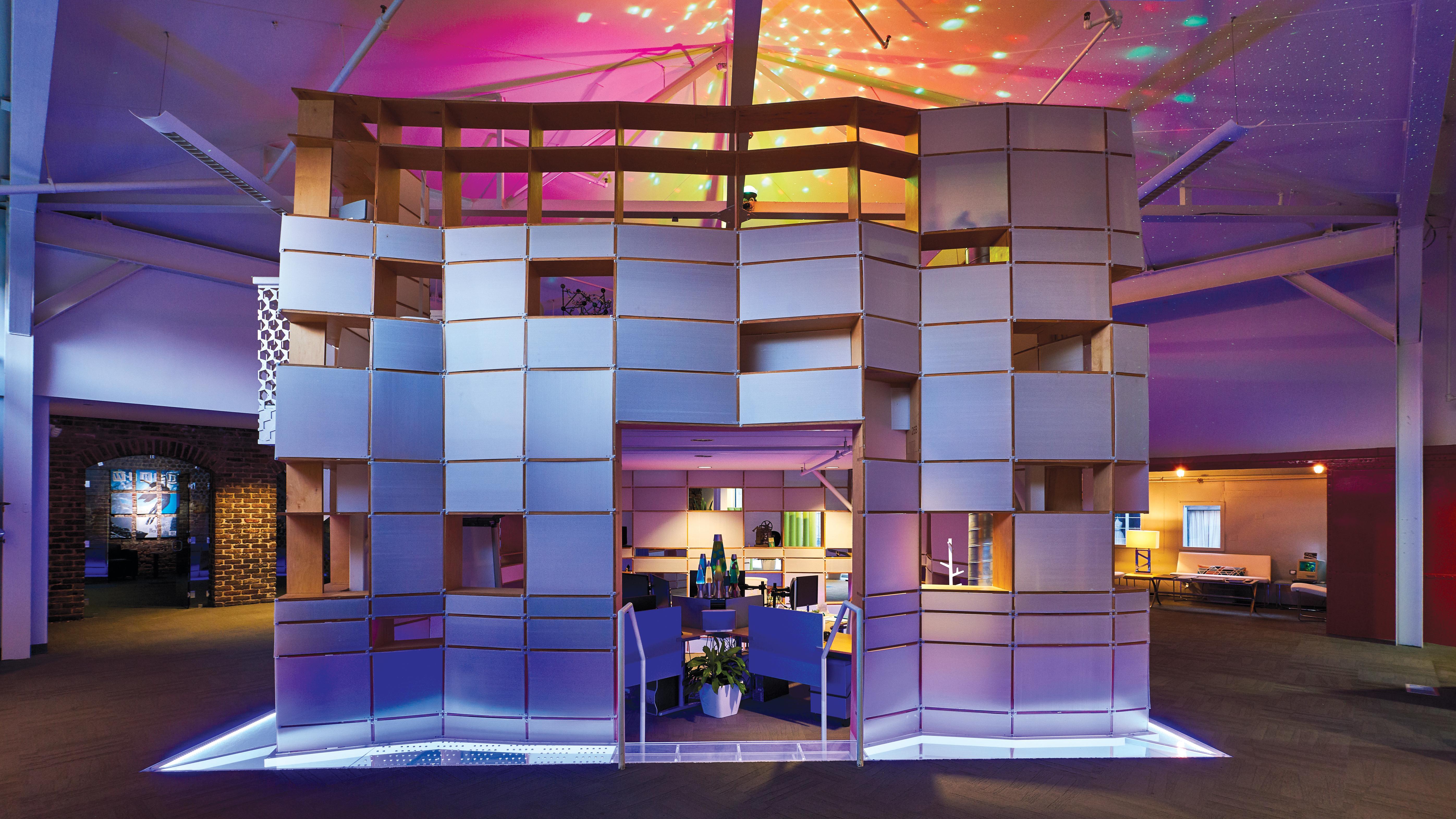 Geometric Kinetic cubicle